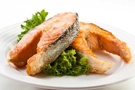 煎鱼块美味图片下载