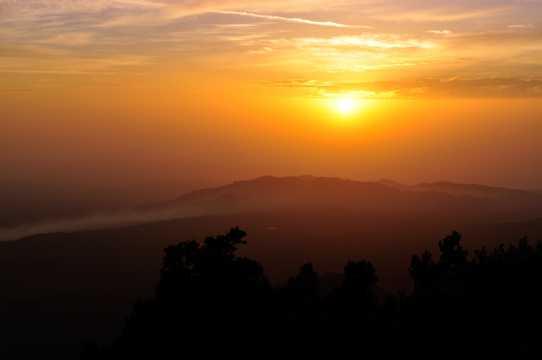 朝阳天际图片拍照