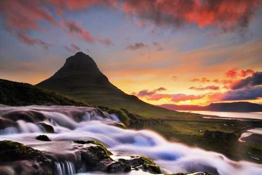 基尔丘山美景图片