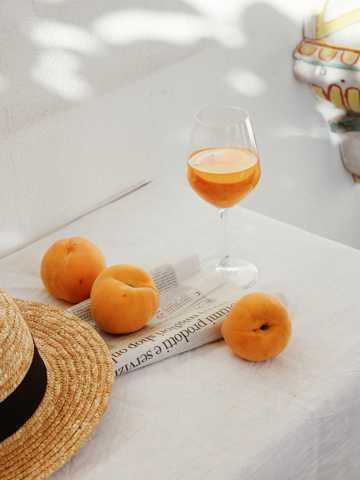 黄桃和水果茶图片
