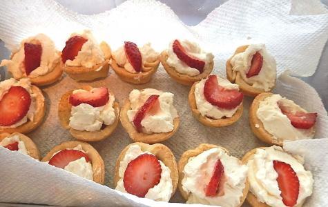 草莓馅饼, 鲜奶的油, 新鲜水果, 糕点壳