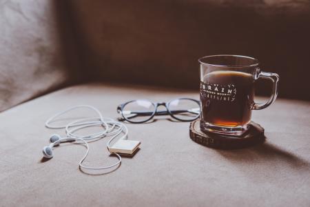 沙发, 椅子, 耳机, ipod, 眼镜, 咖啡, 早餐