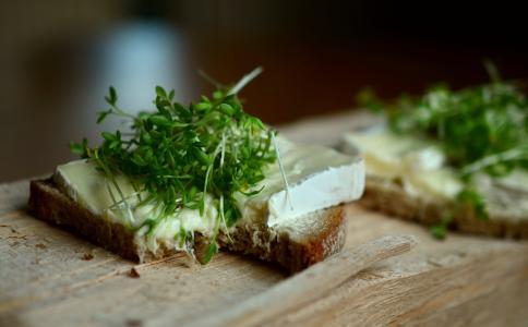 水芹, 草药, 奶酪面包, 面包, 面包覆盖, 发泄, 享受