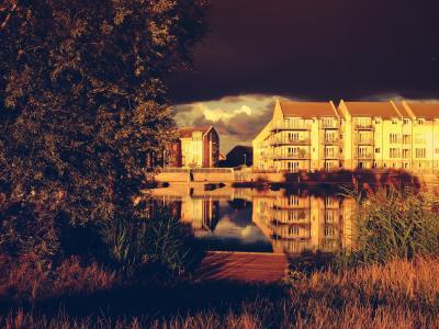 建筑, 云彩, 房屋, 反思, 棕褐色, 树木, 水