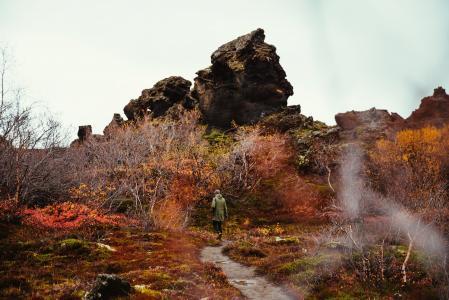 多彩的秋天徒步旅行