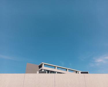 建筑, 蓝蓝的天空, 建设, 天空, 墙上, 白色的建筑, windows