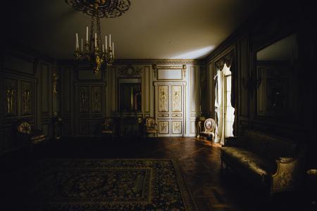 富丽堂皇的家, 客厅里, 光, 窗口, 夏时制, 优雅, 镶板