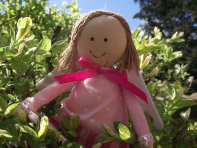 守护天使娃娃, 信心, 甜, 德科