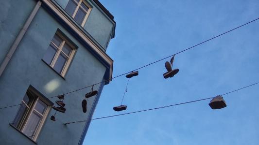 鞋子, 电线, 蓝色, 电缆, 城市, 鞋类, 挂