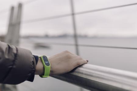 绿色智能手表