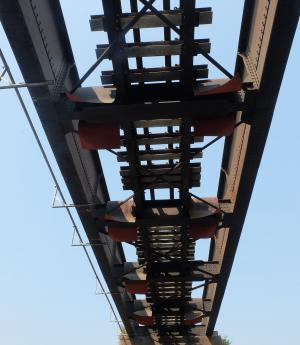 在下, 路轨, 路径, 桥梁, 建设, 铁路