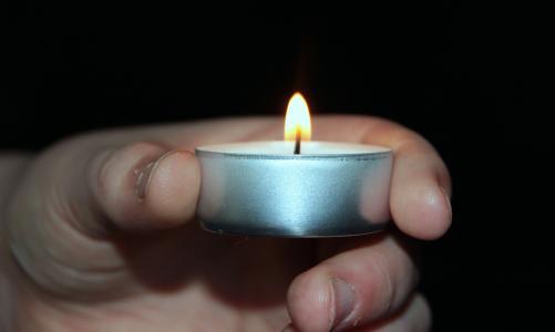 蜡烛, 小圆蜡烛, 光, 孩子的手, 保持, 火焰, 烛光