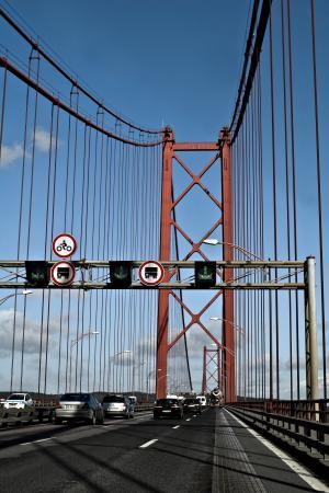 里斯本, 葡萄牙, 桥梁, 悬索桥