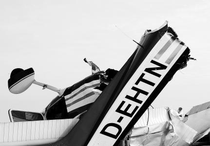 残骸, 飞机残骸, 飞机, 飞机失事, 紧急迫降, 事故, 黑色和白色