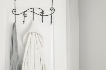 浴室门上的浴袍