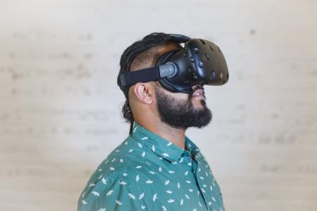 虚拟现实护目镜