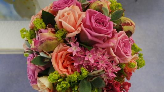 玫瑰, 投标, 柔和的颜色, 夏日花束, 粉红色的玫瑰