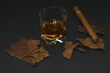 雪茄, 烟叶, 威士忌玻璃, 威士忌酒, 饮料, 酒精, 白兰地