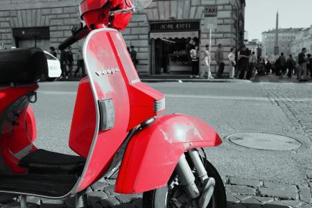 红色, 大黄蜂类, 滑板车, 轻便摩托车, 街道, 道路, 人行道上