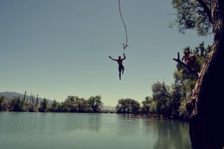 跳转, 水, 室外游泳, 潜水, 秋千绳, 湖, 夏季