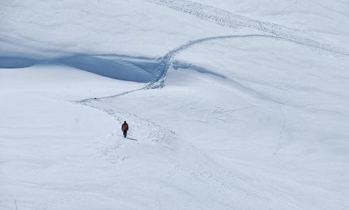 山, 徒步旅行, 女孩, 女人, 徒步旅行, 快乐, 跳跃