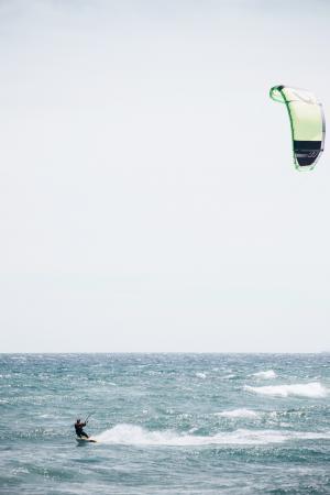 与风筝冲浪