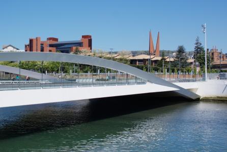 现代桥梁, 圣塞巴斯蒂安, 全景
