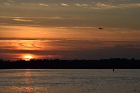 日落, 橙色的天空, 景观, 自然, 飞机, 河, 水