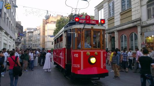 伊斯坦堡, 塔克西姆, 电车