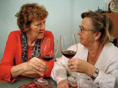 葡萄酒, 饮料, 葡萄酒杯, 红酒, 酒精, 老年人, 老年妇女