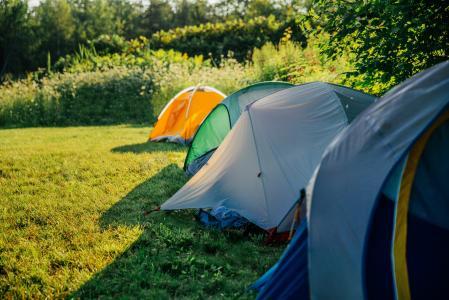 野营的帐篷行