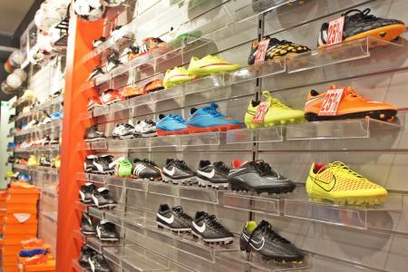 体育, 商店, 鞋子, 墙上, 足球, 存储, 零售