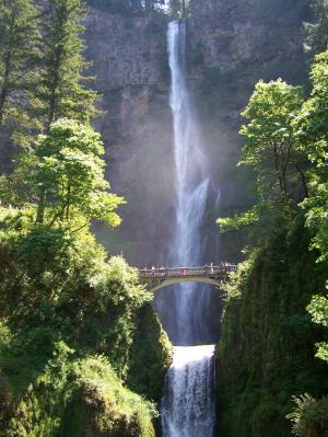 瀑布, 桥梁, 梅尔特诺默, 梅尔特诺默瀑布