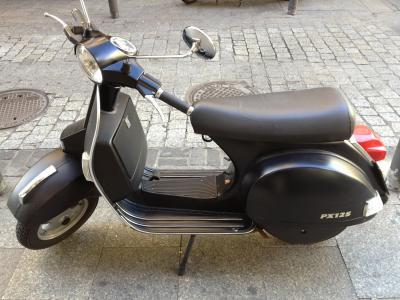 滑板车, 摩托车、 自行车, 摩托车, 摩托车, 运输, 街道, 大黄蜂类