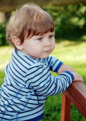 小的孩子, 男孩, 持怀疑态度, 儿童, 年轻, 担心, 焦虑